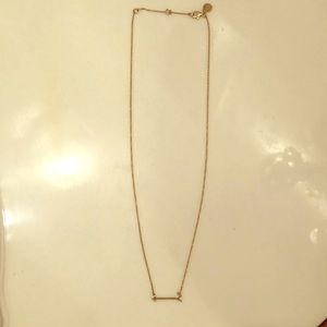 Dainty gold arrow necklace